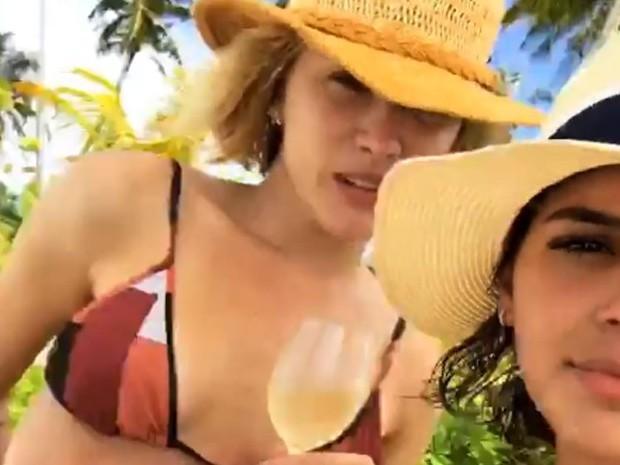 Bruna Marquezine curte hotel com diária de R$ 16 mil, nas Maldivas