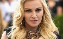 Madonna aparece em foto rara ao lado dos filhos e impressiona