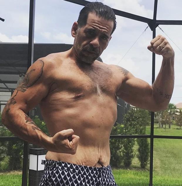 Leandro Hassum exibe músculos e é comparado com Wolverine (Crédito: Reprodução/Instagram)