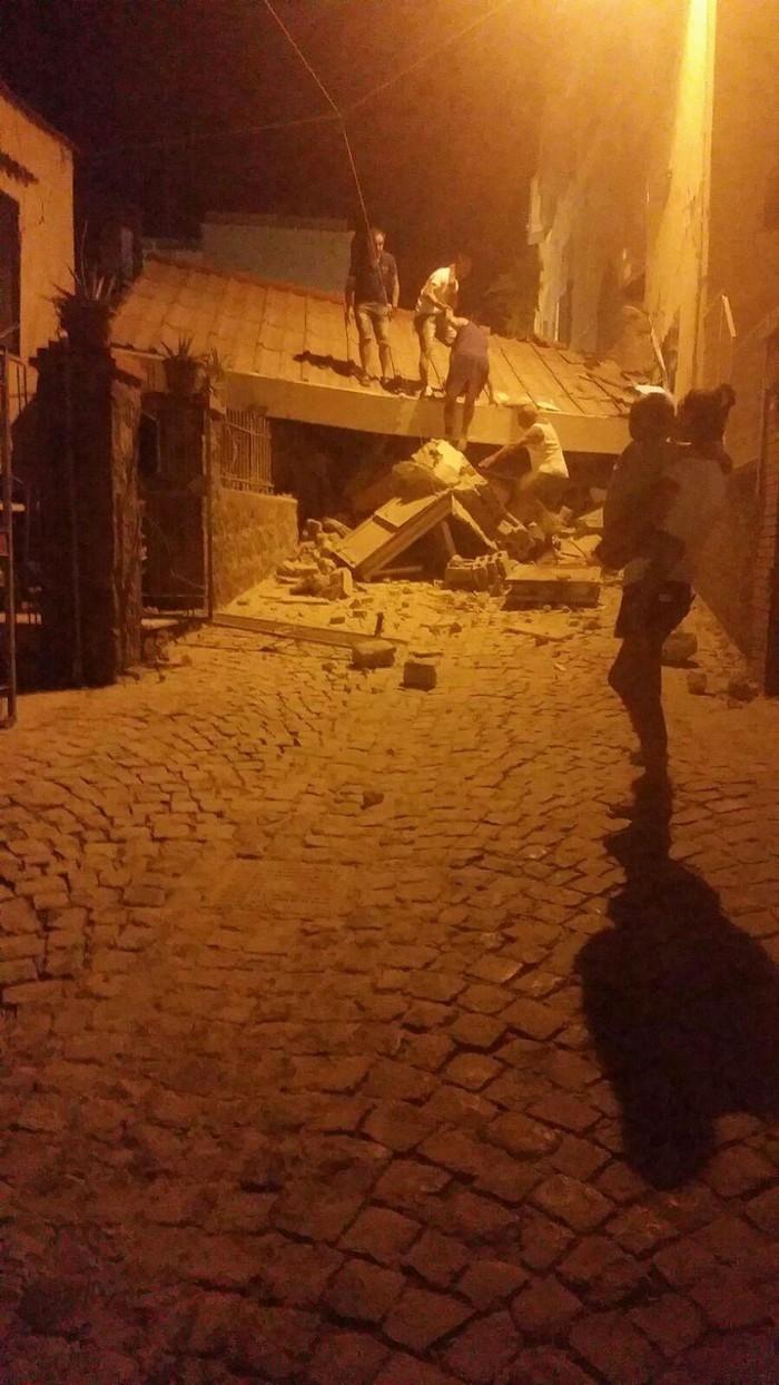 asas atingidas pelo terremoto em Ísquia, na Itália (Crédito: Associated Press)