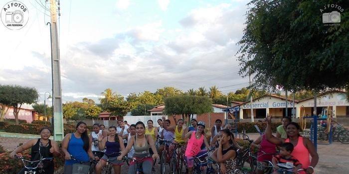 CEAC realiza pedalada com as mulheres.