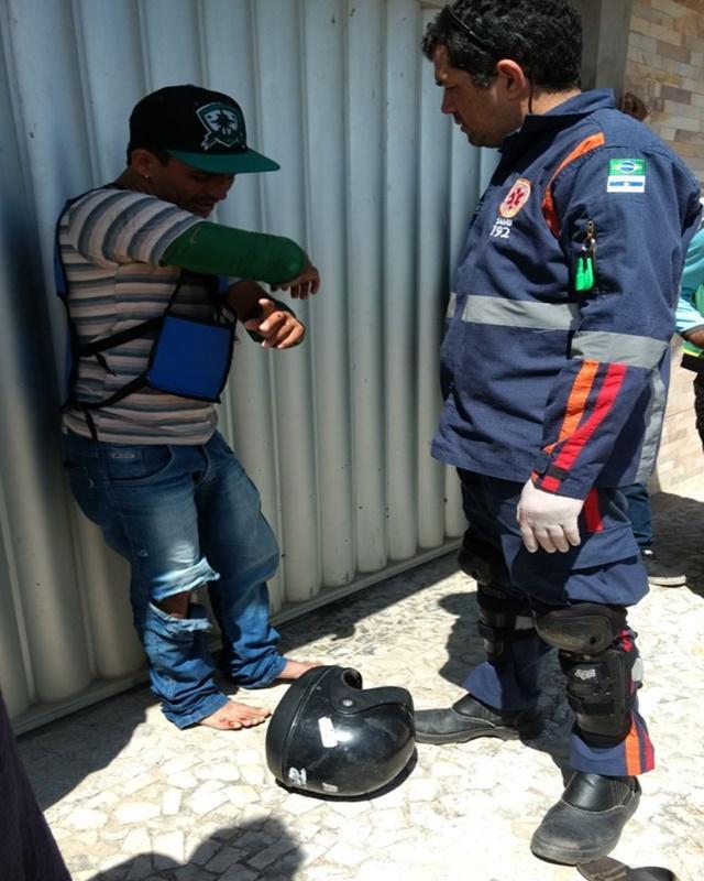 Idoso fica gravemente ferido após ser atropelado por mototaxista