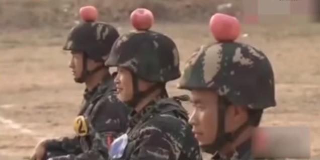 Soldados são transformados em alvos vivos para treinamento (Crédito: Reprodução)