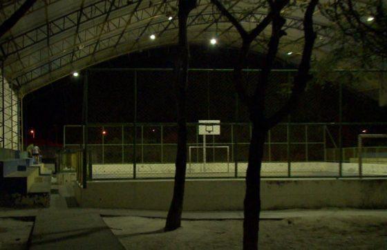 Quadra esportiva onde ocorreu o crime (Crédito: TV Jangadeiro)
