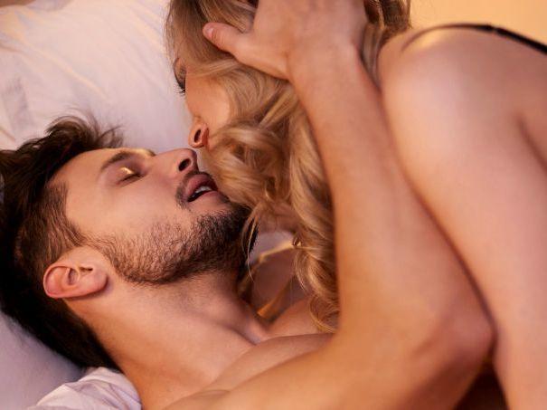 Saiba o que fazer nas preliminares para dar um orgasmo mais intenso