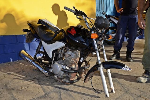Motocicleta furtada é encontrada abandonada e sem as rodas em Cocal