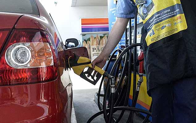 Combustível foi reajustado por decreto (Crédito: Reprodução)