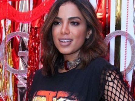 Apaixonada, Anitta escreve canção para Thiago Guimarães