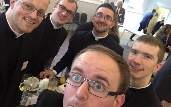 Festa de padres é confundida com despedida de solteiro