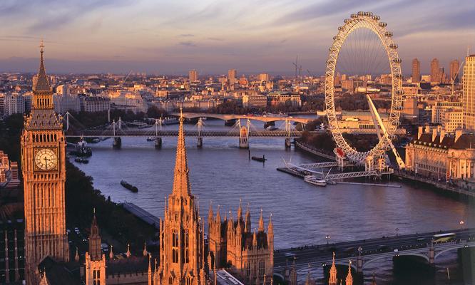 No ano do casamento do Príncipe William, a apenas um ano das Olimpíadas, Londres está, mais do que nunca, no centro das atenções. Além das típicas atrações turísticas como o Big Ben e o Palácio de Buckingham, Londres tem lugares alternativos, como Camden Town, e curiosidades, como o Museu do Ventilador ou o Museu da Magia. (Crédito: divulgação)