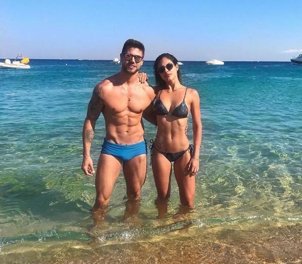 Ex-BBB Jonas e Mari Gonzalez chamam atenção pela boa forma (Crédito: Reprodução/Instagram)