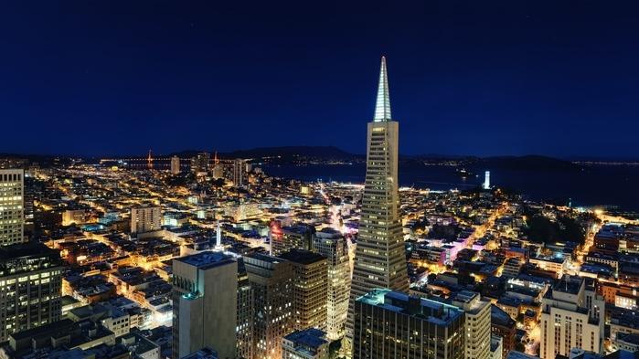 A cidade californiana de São Francisco é sinônimo de liberdades individuais no oeste dos Estados Unidos. A ponte Golden Gate, suspensa, e as colinas são símbolos da cidade, que tem mais restaurantes per capita do que qualquer outra nos Estados Unidos. (Crédito: divulgação)