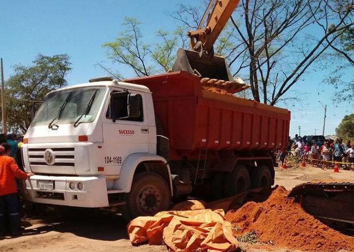 Acidente envolveu um caminhão caçamba na zona Sul de Teresina (Crédito: Reprodução)