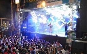 Márcia Felipe arrasta multidão em Amarante