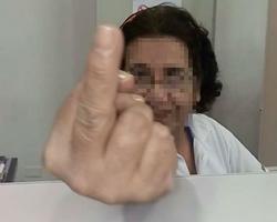 """Auxiliar de Enfermagem mostra """"dedo do meio"""" a paciente da UPA"""