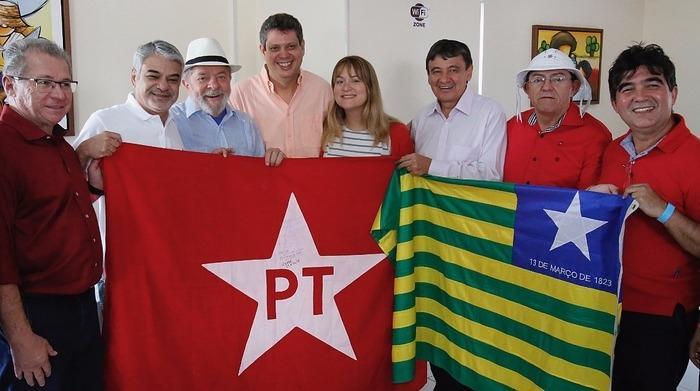 Lula em caravana no Piauí (Crédito: Roberto Stucker Filho)