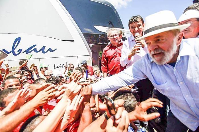 Ex-presidente Lula em visita a Marcolândia (Crédito: Mídia Ninja/ Facebook)