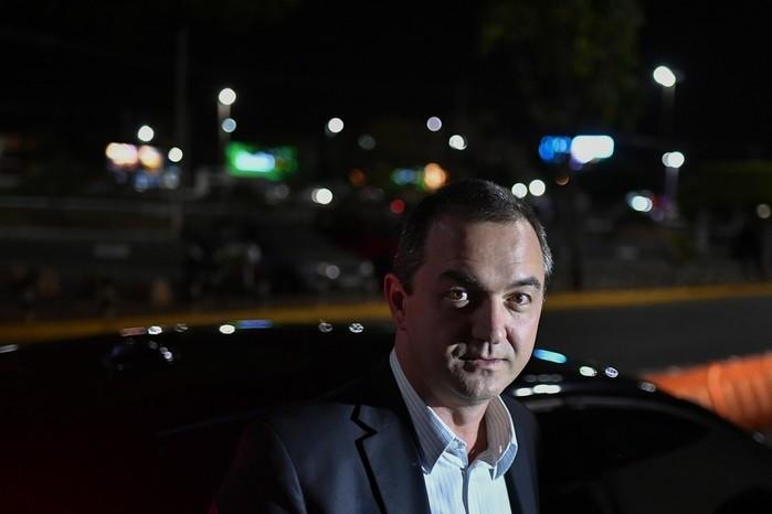 Joesley Batista no aeroporto de Brasília após prestar depoimento na PGR (Crédito: Estadão Conteúdo)