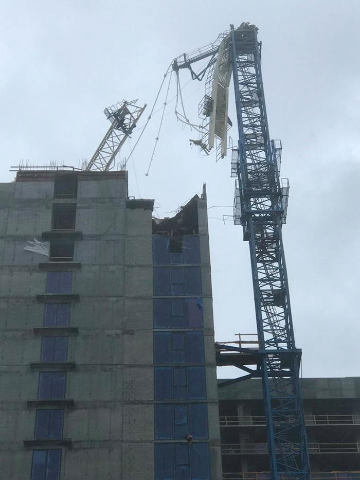 Guindaste caiu sobre prédio em construção em Miami (Crédito: Reprodução )