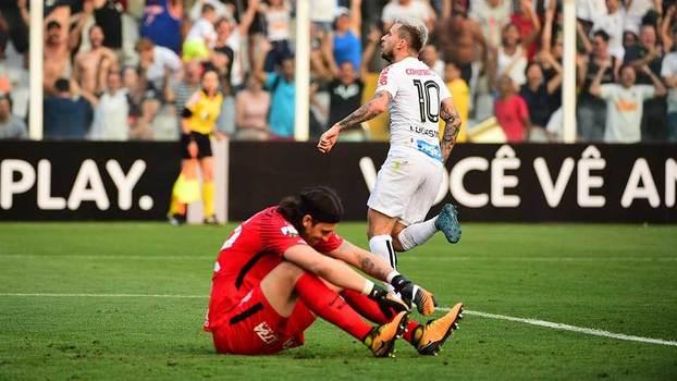 Lucas Lima comemora gol diante do Corinthians (Crédito: Gazetta Press)