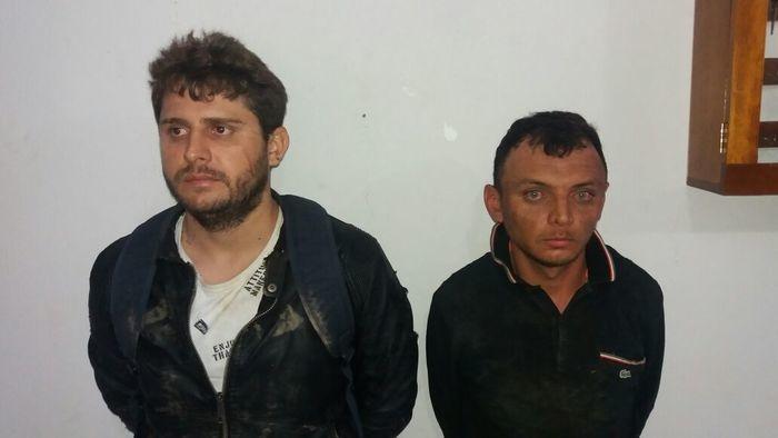 Dupla presa suspeita de homicídio em Alegrete do Piauí (Crédito: Polícia Militar)