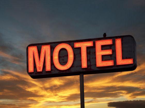 """Histórias de motel chocam: """"Dormi com o sogro e cobraram camisinha"""""""