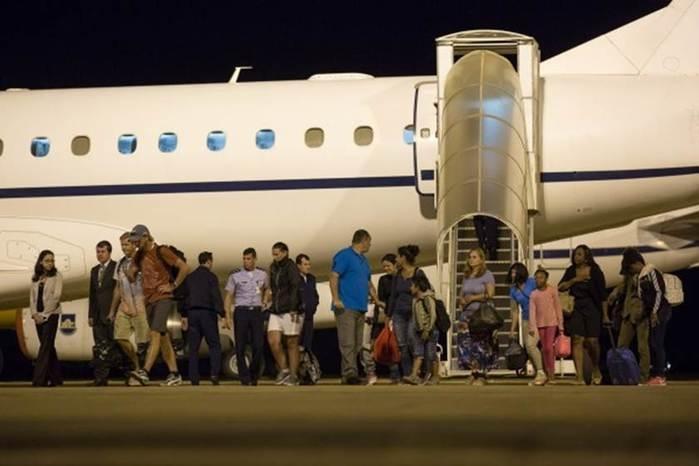 Após apelo na web, avião da FAB resgata brasileiros no Caribe (Crédito: Reprodução)