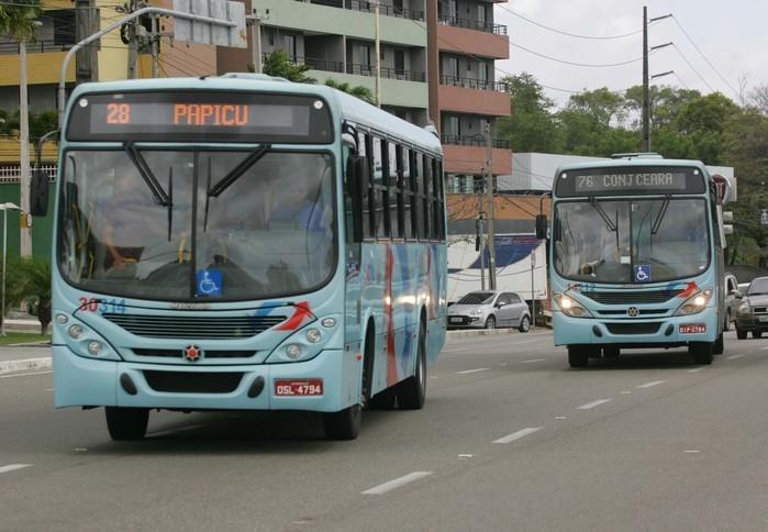 Menor foi morto dentro do ônibus (Crédito:  Natinho Rodrigues / Agência Diário)