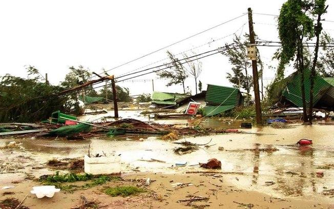 Tufão Doksuri, no Vietnã, deverá segui para o oeste do país e perder força nos próximos dias (Crédito: Reprodução/Twitter)