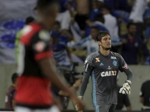 Thiago sofre fratura no punho e deve desfalcar o Flamengo na final
