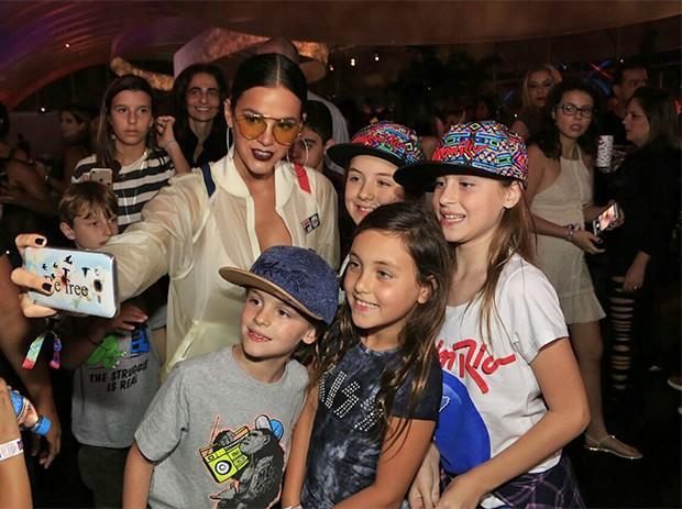 Bruna Marquezine recebe cantada de modelo no Rock In Rio - Saiba mais!