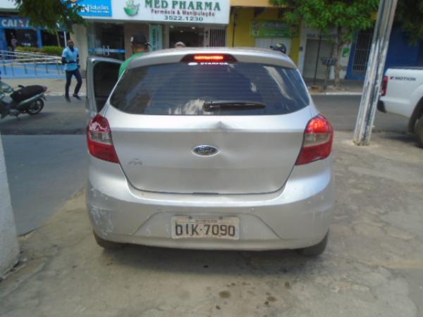 Veículo roubado em Fortaleza é recuperado pela PRF de Floriano