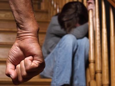 Justiça absolve pai que espancou filha por perder a virgindade