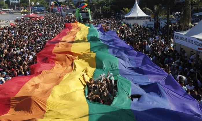 Parada Gay (Crédito: Mônica Imbuzeiro / Agência O Globo)