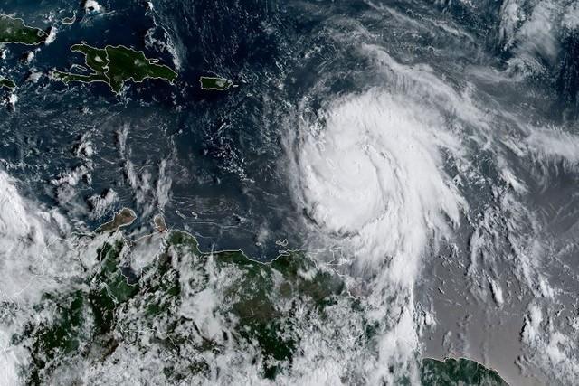 Furacão Maria atingiu categoria 3 (Crédito: NOAA/RAMMB / AFP )