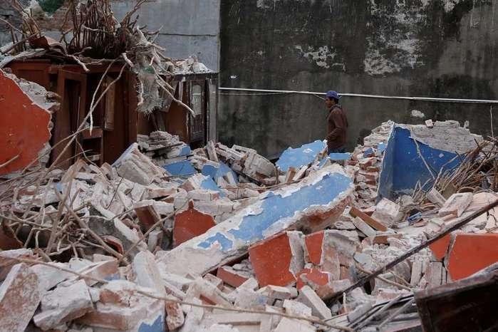 Casa danificada por terremoto na cidade mexicana de Ixtaltepec (Crédito: Reuters)