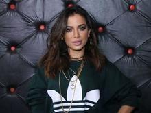 Cantora Anitta desabafa após ser comparada com garota de programa