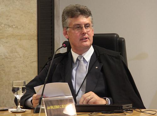 Juiz Waldemar Cláudio de Carvalho