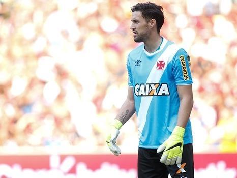 Vasco acerta a renovação com o goleiro Martin Silva