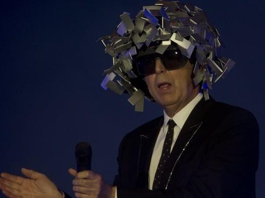 Vocalistas do Pet Shop Boys são assaltados por 4 travestis no RIo