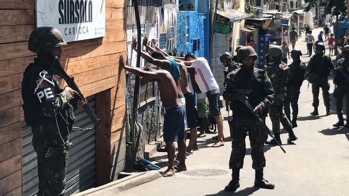 Operações conjuntas na Rocinha (Crédito: Henrique Coelho/G1)