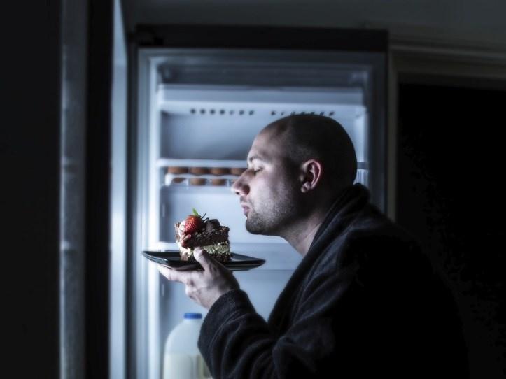 Não quer engordar? Então, evite comer neste horário