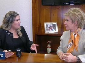 Na estreia do Conexão Brasília, Samantha entrevista Marta Suplicy