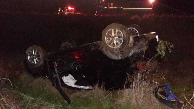 Mulher morre em acidente e filho de 5 anos pede ajuda em rodovia (Crédito: Reprodução)