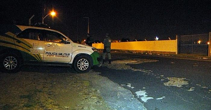Todas as ruas no entorno do presídio foram cercadas.  (Crédito: Kairo Amaral)