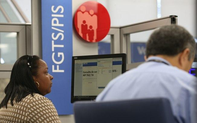 PIS/Pasep: Ministério do Trabalho lança aplicativo para facilitar a consulta ao abono salarial   (Crédito: Fabio Rodrigues Pozzebom/Agência Brasil)