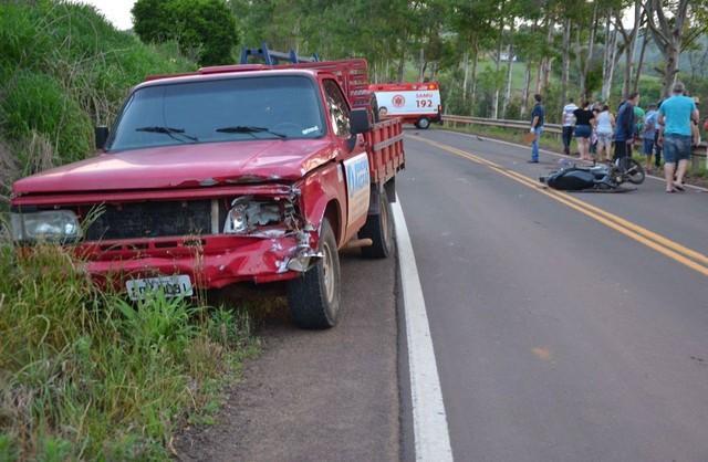 Jovem morre após desviar de cobra em rodovia no RS