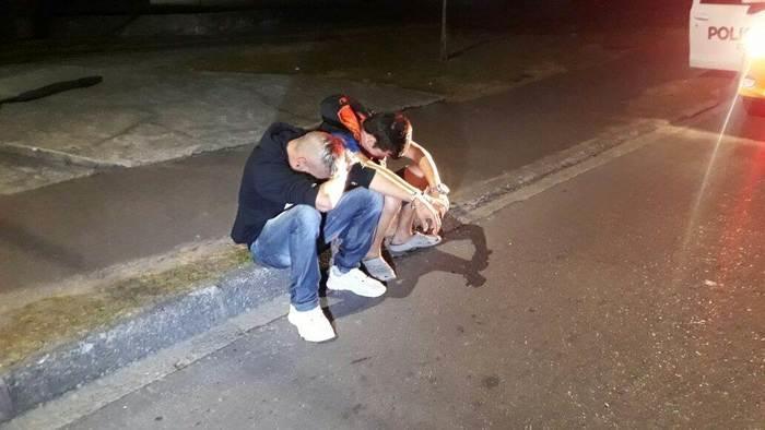 Dupla foi presa em flagrante (Crédito: João Frigério/Plantão 190)