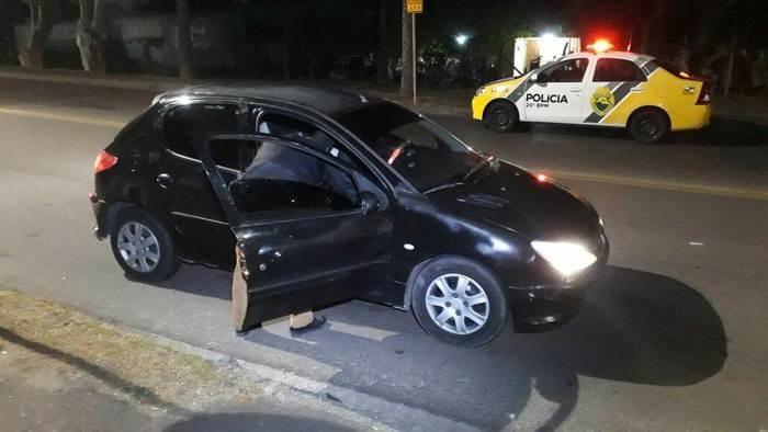 Veículo fazia parte de uma série de assaltos (Crédito: João Frigério/Plantão 190)