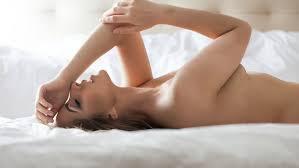 Aprenda como chegar o famoso orgasmo combinado (Crédito: Reprodução)